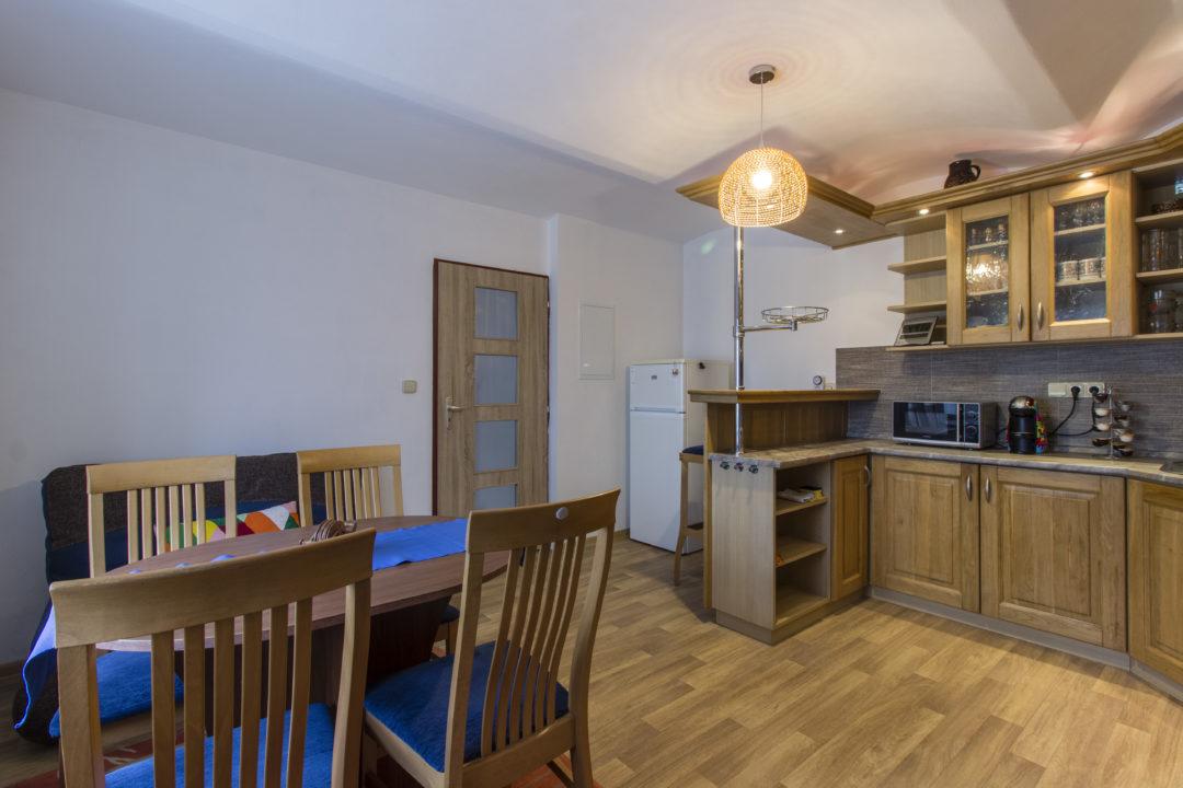 apartmán spodní kuchyň